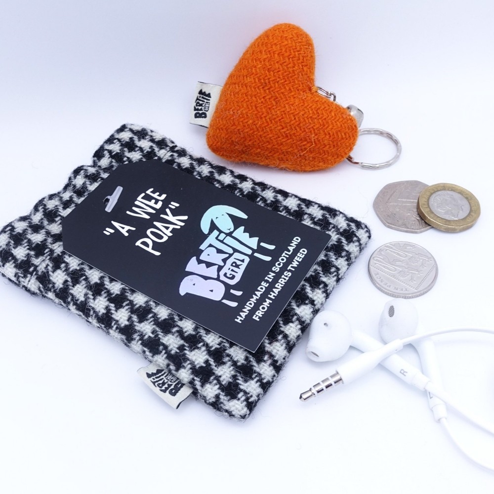 Black and White Houndstooth Harris Tweed Coin Purse by Bertie Girl - A Wee Poak
