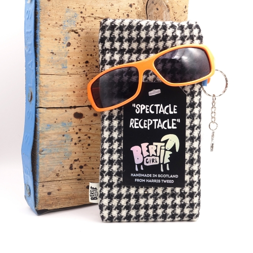 Black and White Houndstooth Harris Tweed Glasses Pouch - A Spectacle Receptacle